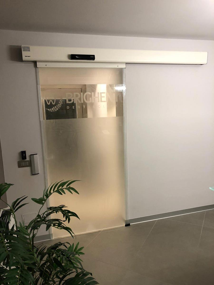 Studio dentistico Brighenti progetto porte automatiche Cinque P